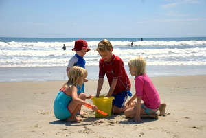 Example of Fiji family resorts and it's beaches with kids