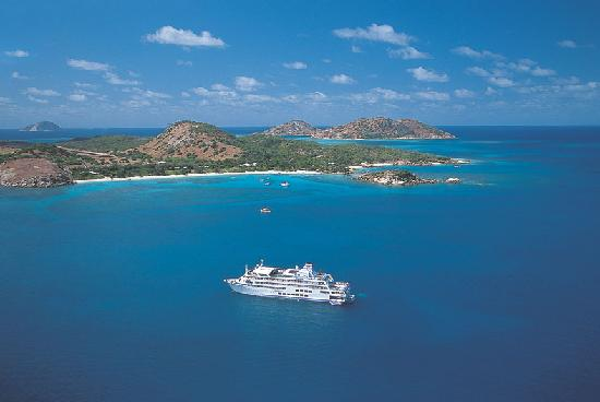 Take a Fiji cruise with Captain Cook Cruises