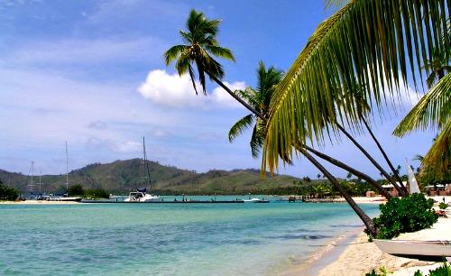 Fiji vacations, a beach on Malolo Lailai Island.