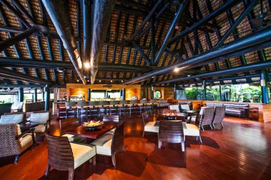 Jean-Michel Cousteau Fiji Islands Resort restaurant and bar