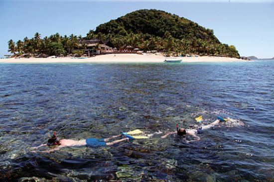 Snorkelling at Matamanoa Island Resort Fiji