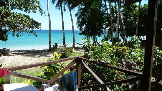 Matana beach resort Fiji the dive boat