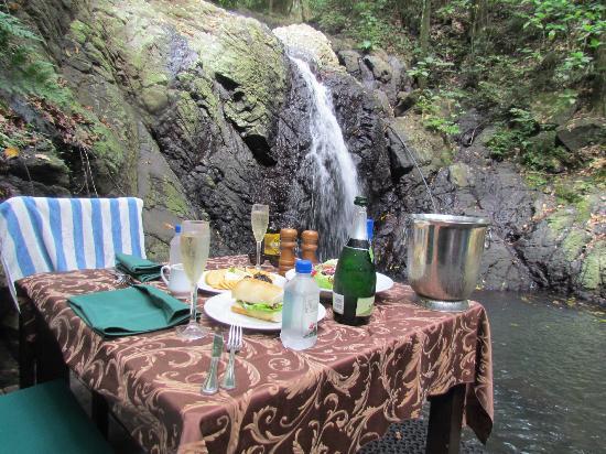 Namale resort offers wonderful Fiji honeymoon vacations