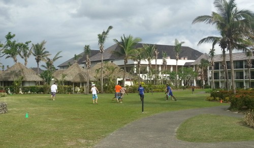 resort sport Fiji with staff