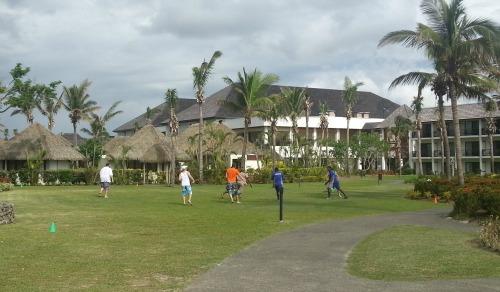 resort sport Fiji with staff