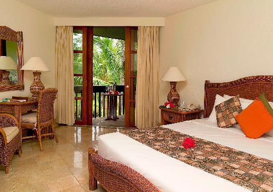 Warwick Fiji Resort - deluxe room