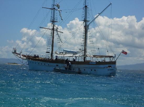 Fiji sailing with Captain Cook Cruises