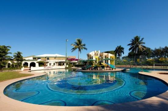 Raffles Gateway Hotel pool Nadi Fiji