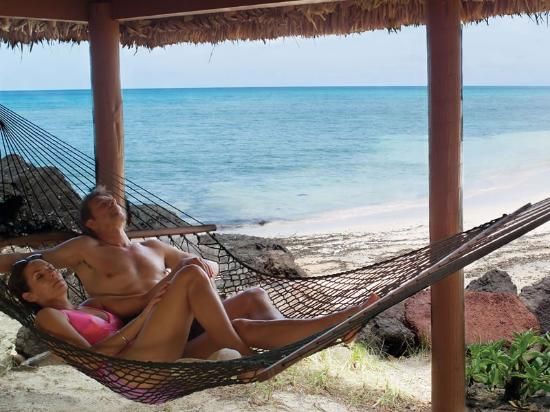 A luxurious Fiji honeymoon vacation at Turtle island